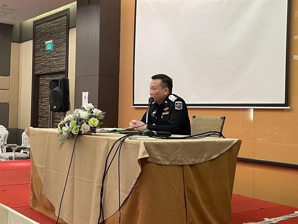 วันจันทร์ที่ 29 มีนาคม 2564 เวลา 09.30 น. พันตำรวจเอก อัครพล บุณโยปัษฎัมภ์ รองอธิบดีกรมสอบสวนคดีพิเศษ พร้อมด้วยผู้อำนวยการกองปฏิบัติการพิเศษและผู้เชี่ยวชาญเฉพาะด้านคดีพิเศษ อีกจำนวน 8 ท่าน เป็นกรรมการสอบสัมภาษณ์ผู้เข้ารับการอบรมหลักสูตรการสอบสวนคดีพิเศษ รุ่น 11 จำนวน 53 ราย